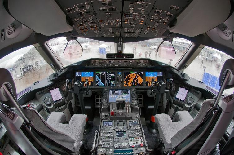 787-кабина